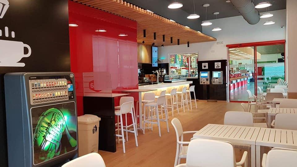 Cafeteria cash interior