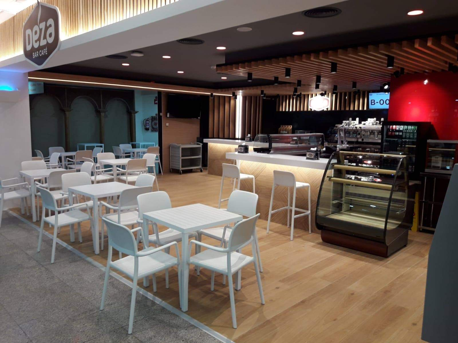 Interior de cafetería zoco 2